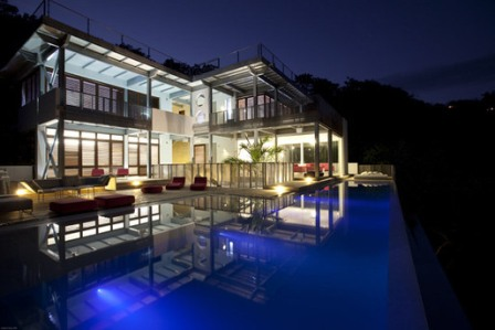 ↑ Casa Torcida in Costa Rica by SPG Architects